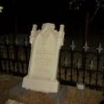 Pouhý náhrobek